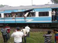 Boxcar hits jan shatabdi express at station, many wounded