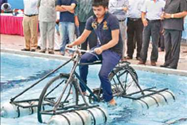 The students created a cycle that runs on water