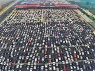 Traffic jam on 50 lane expressway in china, thousands got stranded