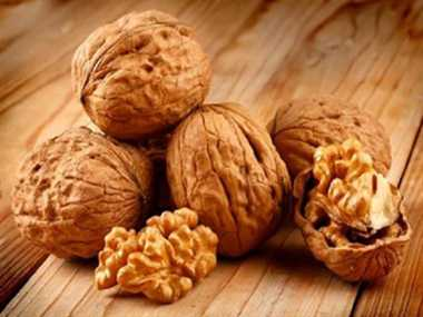 New research finds walnuts may help slow colon cancer