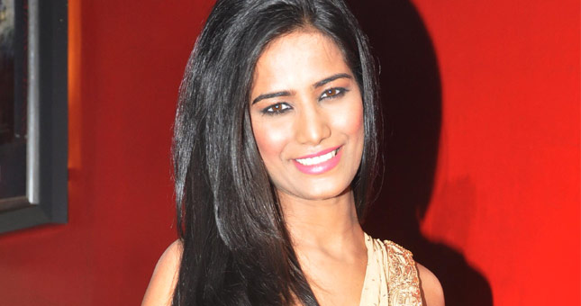 Poonam Pandey in Dimple Kapadia party