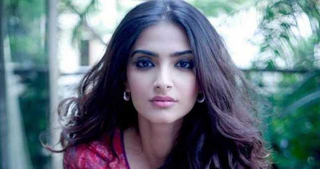 Sonam Kapoor Says I do not work for awards