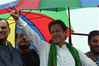 Pakistan Protest Leader Imran Khan Vows to Keep Fighting