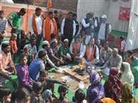 muslim converting hindu: Muslims took to the street in protest