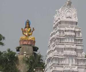 इस मंदिर में ठीक हो जाते हैं गले के रोग व स्वर