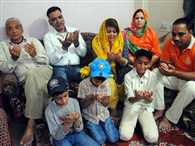 Harmony example of Hindu and Muslim worship and prayers are for the family