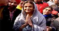 Aishwarya Films Sarbjit at the Golden Temple Cooks Food in Langar