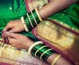 भगवान शंकर से जुड़ा है महिलाओं का सावन में हरे रंग की चूडि़यां पहनना