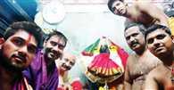 Ajay Devgn visits Mahalaxmi temple in Kolhapur