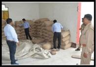 गोदाम पर मारामारी, चावल और गेहूं बरामद