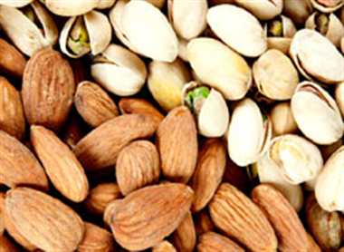 Pistachios and almonds are effective in preventing diabetes