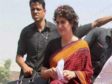 प्रियंका ने लगाया वरुण पर विश्वासघात का आरोप