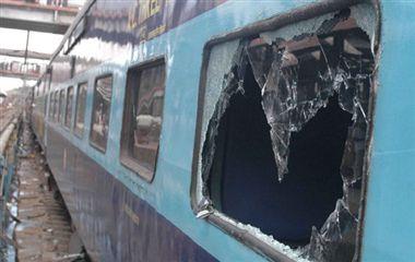 Loot in Delhi bound Kalka Mail, one passenger injured