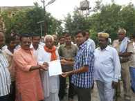 bjp worker given memorandum
