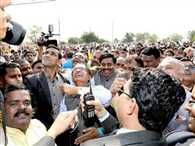 Chief minister flown kites in restricted area