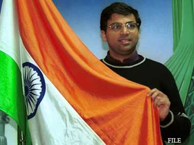 Anand stay ahead in Final masters after defeating Vallejo Pons