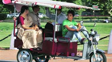 Notification for plying of e-rickshaws soon: Nitin Gadkari