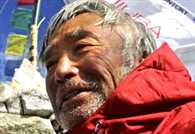 80 year old Japanese man starts Everest ascent