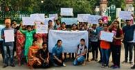 मासूम बच्चियों के साथ दुराचार के खिलाफ निकाला कैंडल मार्च