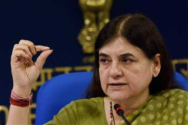 varun shoolud come in up politics: menka