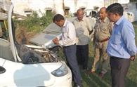 कोतवाली में वाहनों की जांच करने पहुंची विशेषज्ञों की टीम