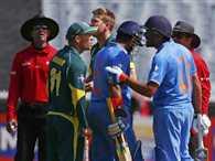 David Warner and Rohit Sharma indulge in ground tussle in MCG ODI