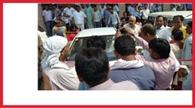 शिक्षामित्रों ने राज्यमंत्री का घेराव कर किया हंगामा