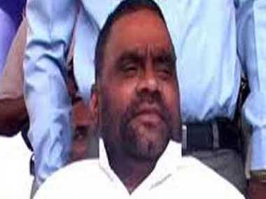 arrest warrant against swami prasad maurya
