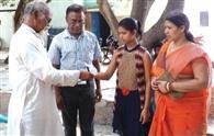 छात्रा ने अनाथाश्रम को दी पुरस्कार राशि