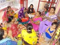 कान्हा की छठी मनाई, बजने लगी बधाई