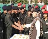 सैनिकों के साथ दीपावली मनाने के लिए LoC पर पहुंचे पीएम नरेंद्र मोदी