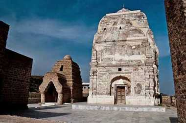 You know, one of the Hindus in Pakistan is such that particular temple