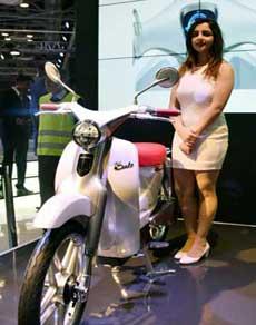 ऑटो एक्सपो: धूम-धाम से लॉन्च हुई होंडा, सूजुकी की बाइक और टाटा की कार