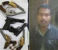 Dealer reaches Raipur for selling weapons ,  arrested
