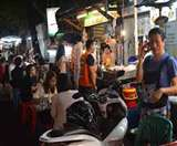 बैंकाक में स्ट्रीट फूड की बिक्री पर लगी रोक