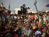 Khan refuses to negotiate with govt; Qadri open to talks