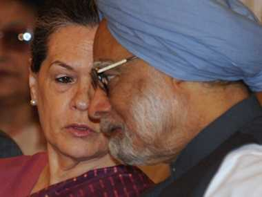 Sonia, Manmohan express worry over 'rise in communal violence'