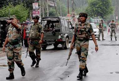 200 heavily armed militants waiting across LoC: Army