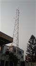 विरोध के बीच लग रहे टावर