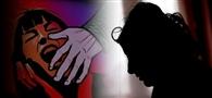 बेटे को जान से मारने की धमकी देकर पति के दोस्त ने किया दुष्कर्म