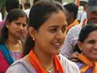 Munde's daugher scripts LS history, wins by 7 lakh votes