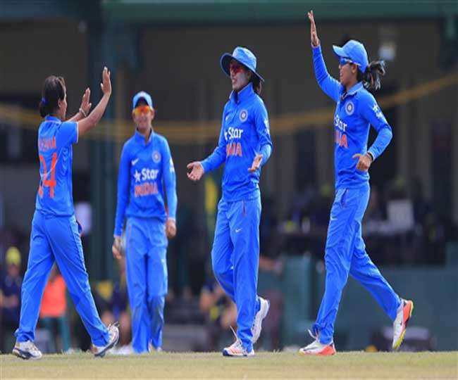 India women cricket team won by one wicket