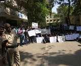 दूसरे दिन भी डॉक्टरों की कमी से जूझ रहे महाराष्ट्र के सरकारी अस्पताल