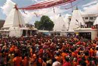 सावन के पहले दिन हजारों भक्तों ने किया जलार्पण