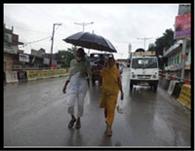 रिमझिम बारिश से मौसम हुआ सुहाना