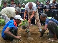 प्रकृति की अनमोल धरोहर हैं वृक्ष : महेंद्रा