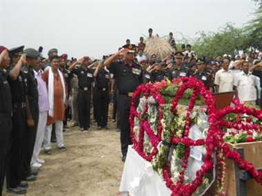 Soldier's body found 18 years after he went missing in Siachen, cremated