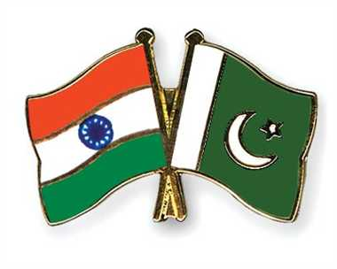 Pak says Kashmiri separatists 'stakeholders'; India hits back