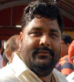pappu yadav says politics is prosecuted by politicians