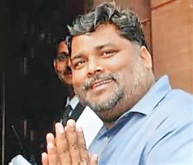 Who is Pappu Yadav to fix our fees, ask Bihar doctors